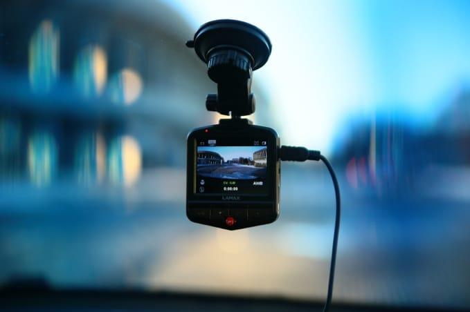 Autokamera do auta, kamera, nahrávání, auto, Lamax Drive C3