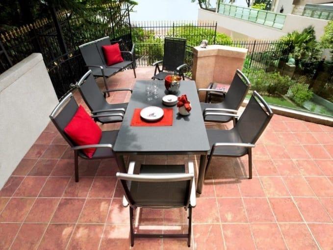 Kvalitní zahradní nábytek, stůl na zahradu, kvalitní stůl