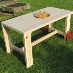 Kvalitní zahradní nábytek, stůl na zahradu, dřevěný nábytek