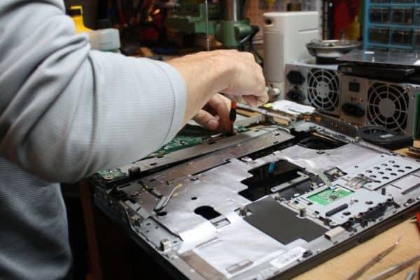Značkový servis notebooku, servis notebooků, opravy