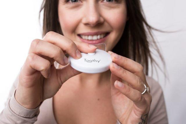 Bělení zubů Toothy