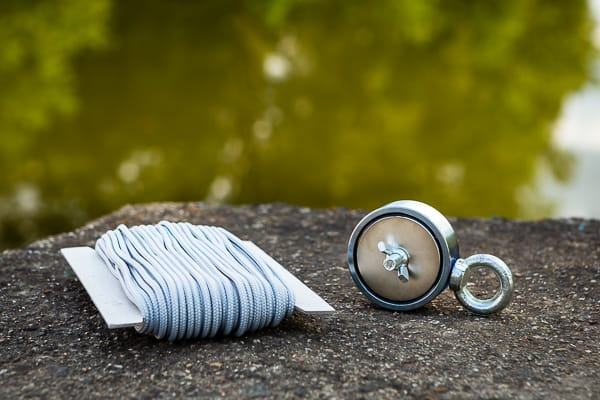 Magnet fishing, neodymove magnety